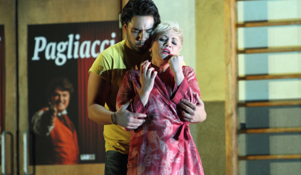 2738ashm_0623_Pagliacci_ DIONYSIOS SOURBIS AS SILVIO, CARMEN GIANNATTASIO AS NEDDA (C) ROH. PHOTOGRAPHER CATHERINE ASHMORE