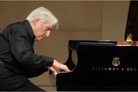 Un raffinato signore del pianoforte