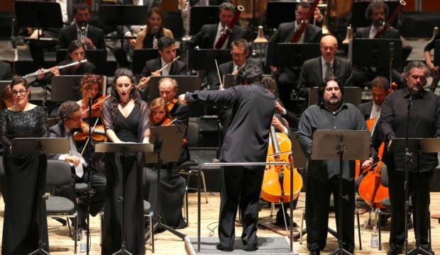 25 a.auyanet(soprano)a.vestri(mezzosoprano)a.battistoni(direttore)a.palombi(tenore)r.zanellato(basso)