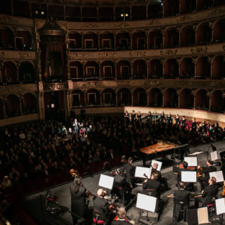 Glass e Bruckner, strana coppia all'Opera di Roma