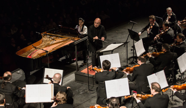 Dennis Russell Davies e Maki Namekawa_Concerto Sinfonico 11 gennaio_ph Yasuko Kageyama-Opera di Roma 2017-18_6901 WEB