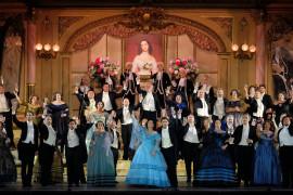 Delude l'omaggio a Zeffirelli nella nuova Traviata areniana