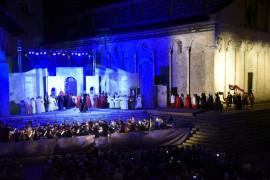 """Tre opere e Moni Ovadia per """"Lirica in piazza"""" a Massa Marittima"""