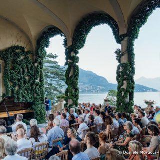 Louis Lortie e gli amici sul lago di Como in agosto