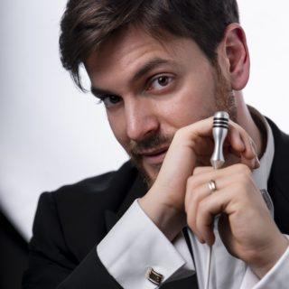 Rarità rossiniane e i tre buffi: concerti a Pesaro con Michele Spotti