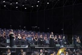 Una Cavalleria senza scene convince Cagliari