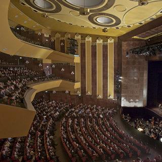 Autunno al Lirico di Cagliari, tra Shostakovich e l'operetta